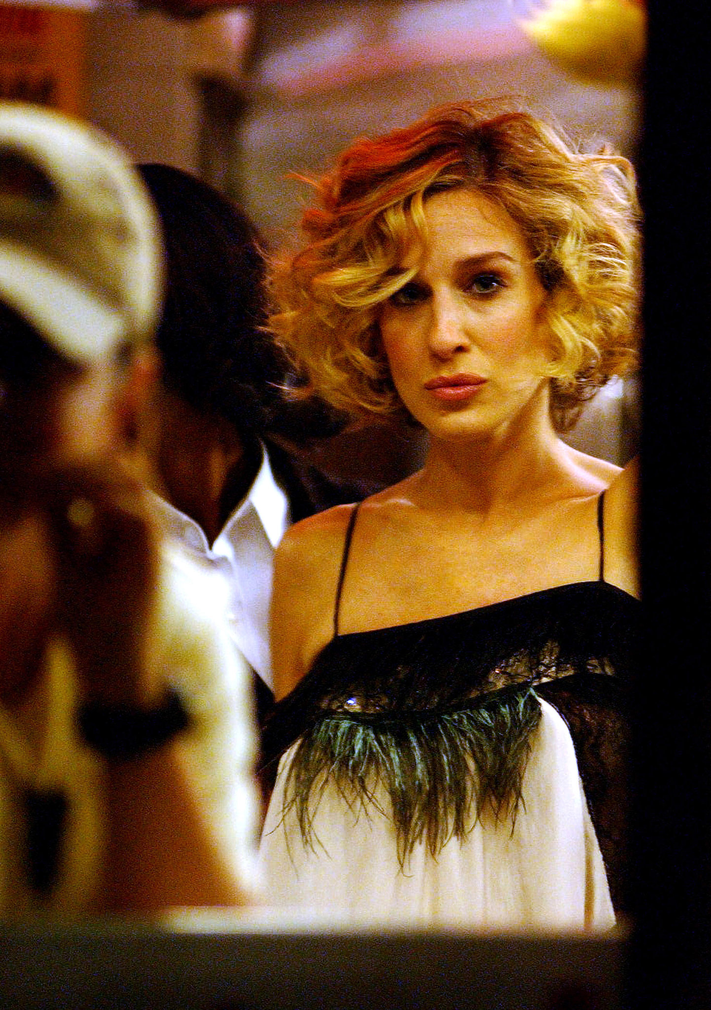 Carrie tries a bouncy bob in season five, but her signature curls remain intact.