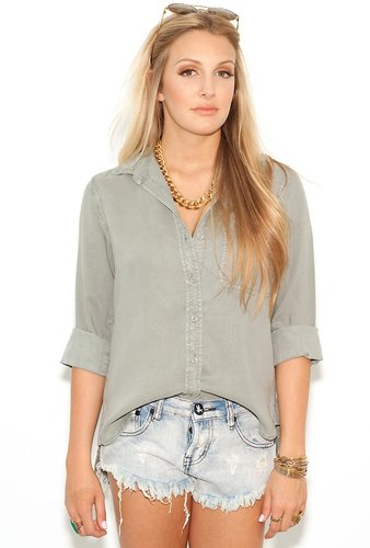 Bella Dahl Shirt Tail Button Down in Summer Olive