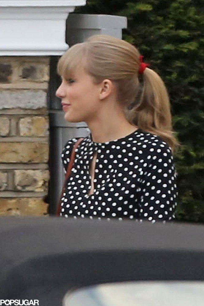 Taylor Swift was all smiles when she visited Gwyneth Paltrow.