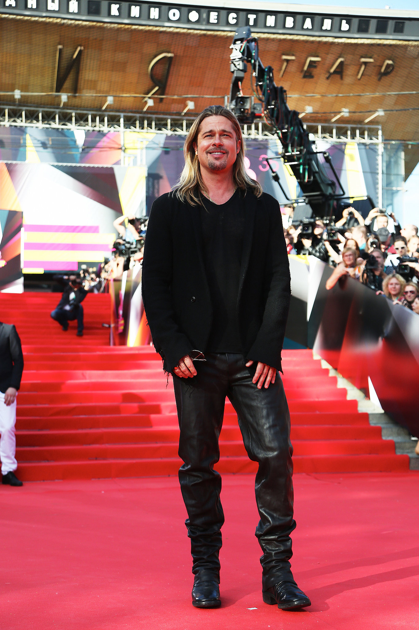 Brad Pitt posed on the red carpet.
