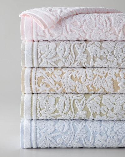 """""""Chantelle"""" Towels"""
