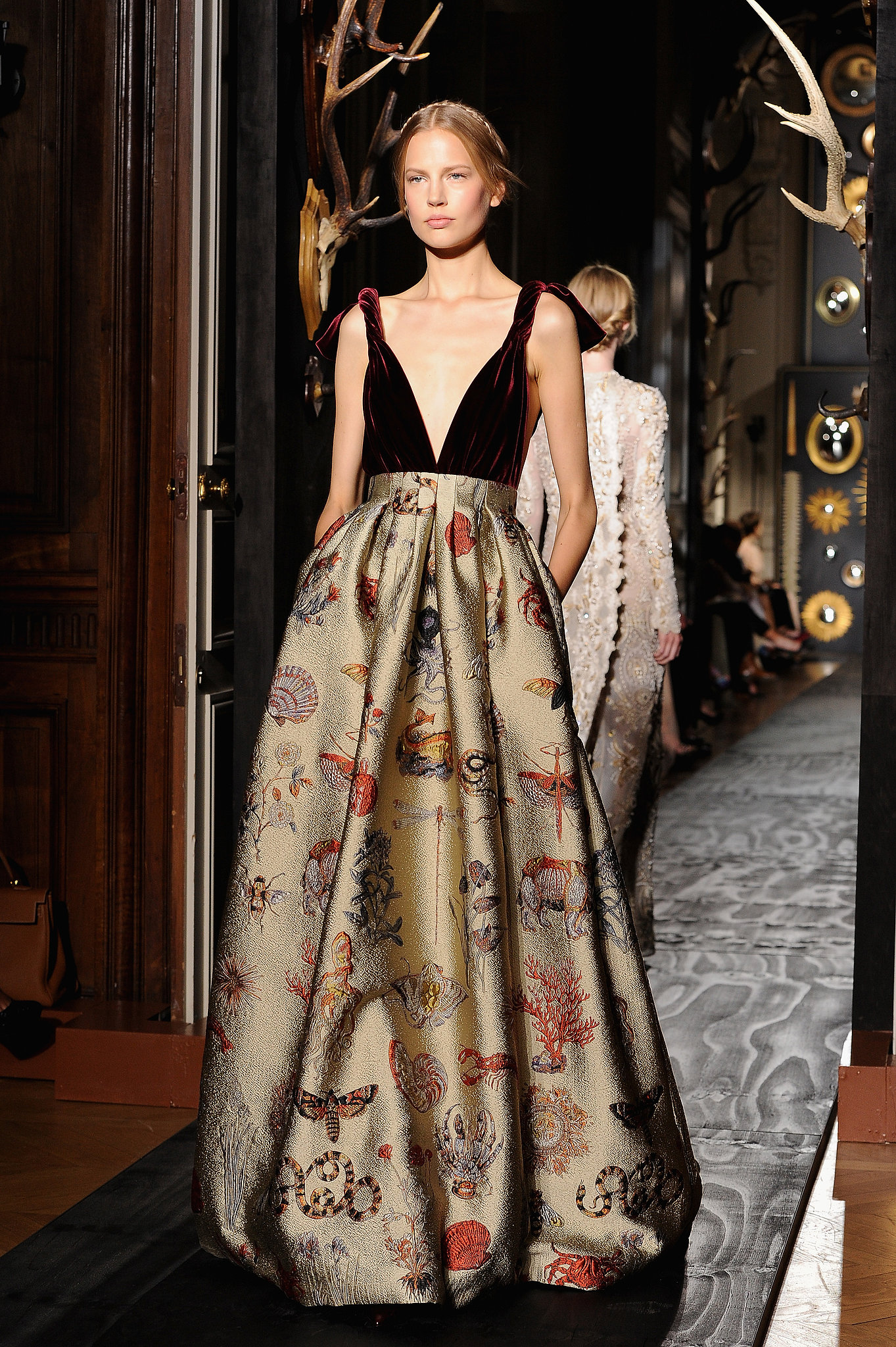 Valentino haute couture fall 2013 valentino haute for Hout couture