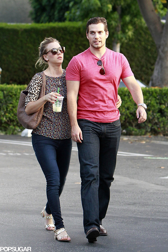 Haley Cuoco wrapped her arm around Henry Cavill.
