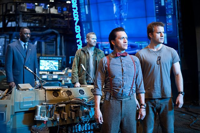 Idris Elba, Max Martini, Robert Kazinsky, and Clifton Collins Jr. in Pacific Rim.