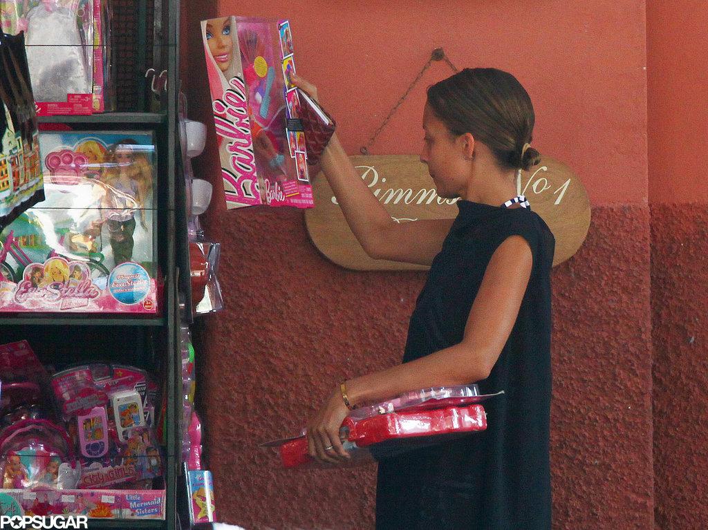 Nicole Richie did some shopping in Portofino, Italy.