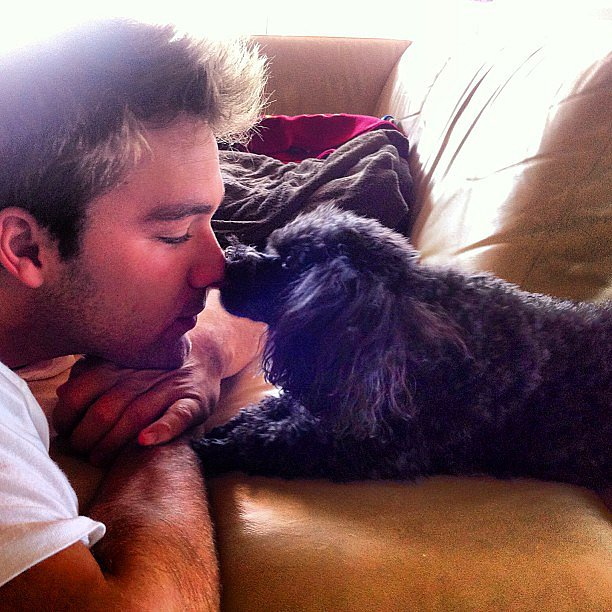 Lincoln Lewis chilled out with man's best friend. Source: Instagram user linc_lewis