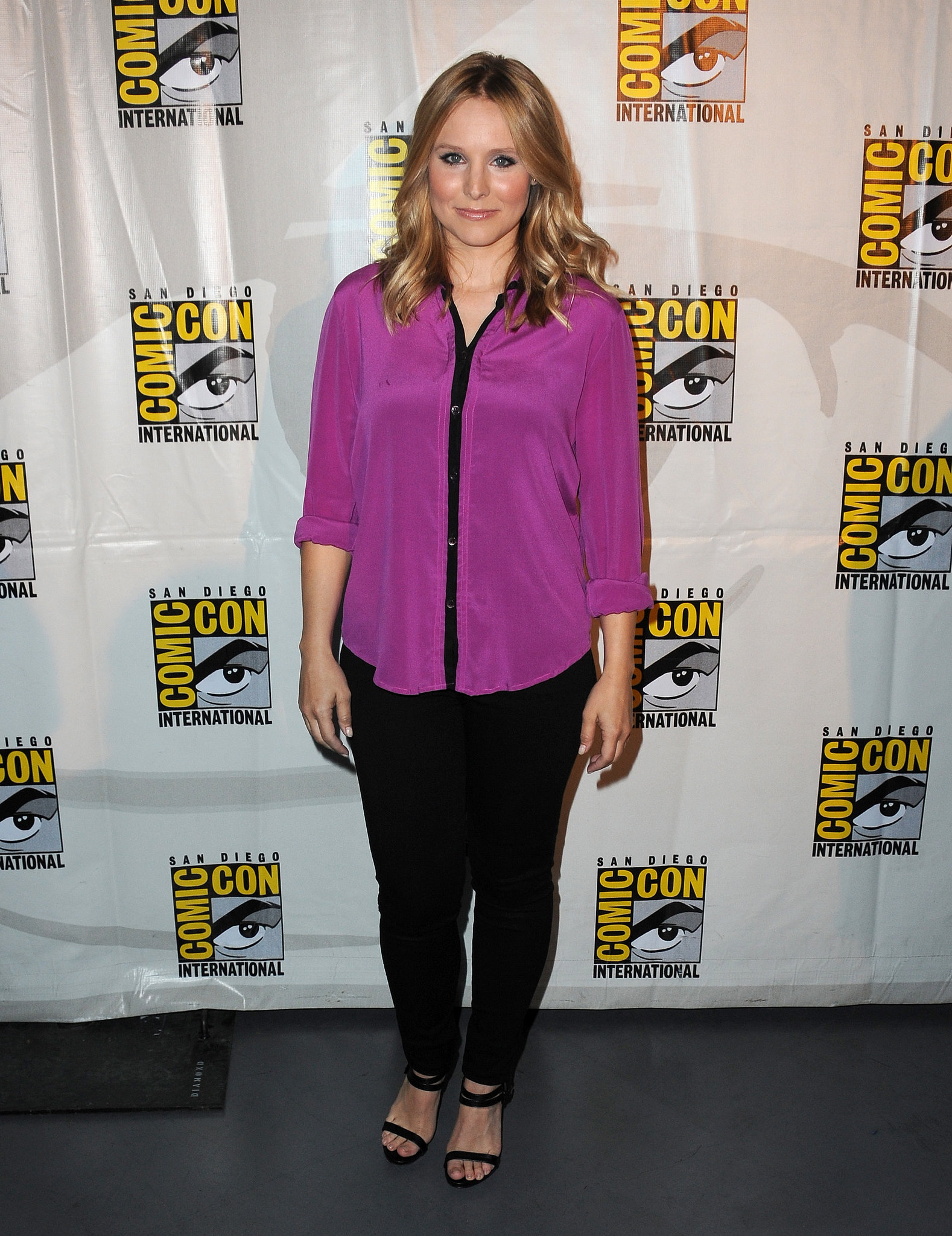 Kristen Bell looked like a gem in her jewel-toned shirt she chose for a Veronica Mars Q&A.