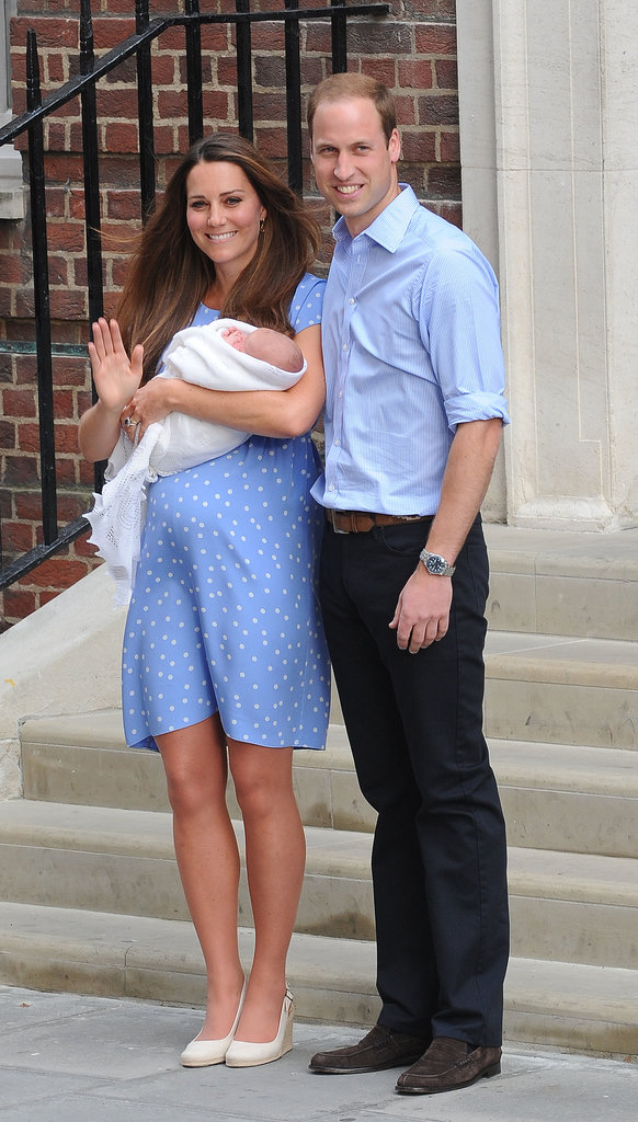 Kate Middleton smiled and waved when she and Prince William stepped out of the hospital with the royal baby.