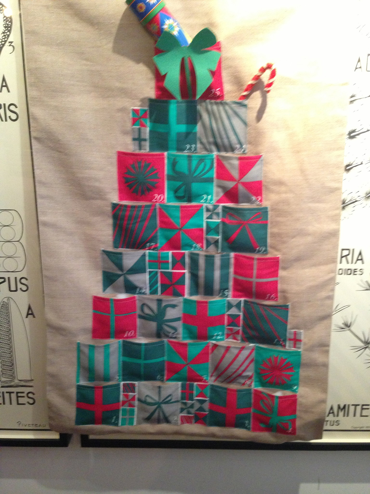 A beautiful advent calendar with a homespun vibe that can be reused year after year.