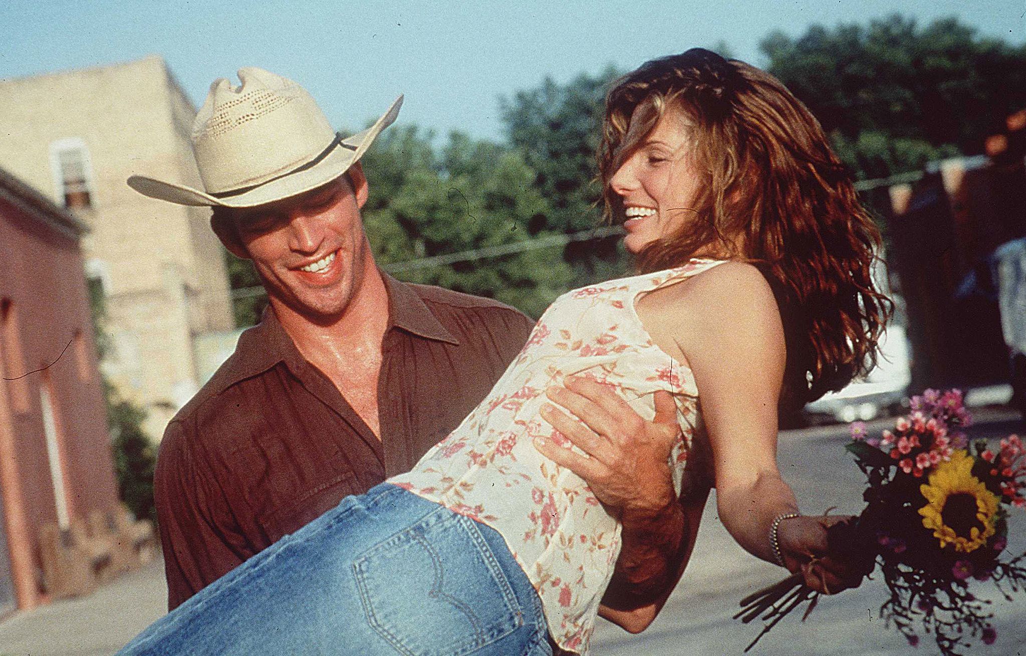 Sandra and Harry Connick Jr. filmed Hope Floats together in February 1998.