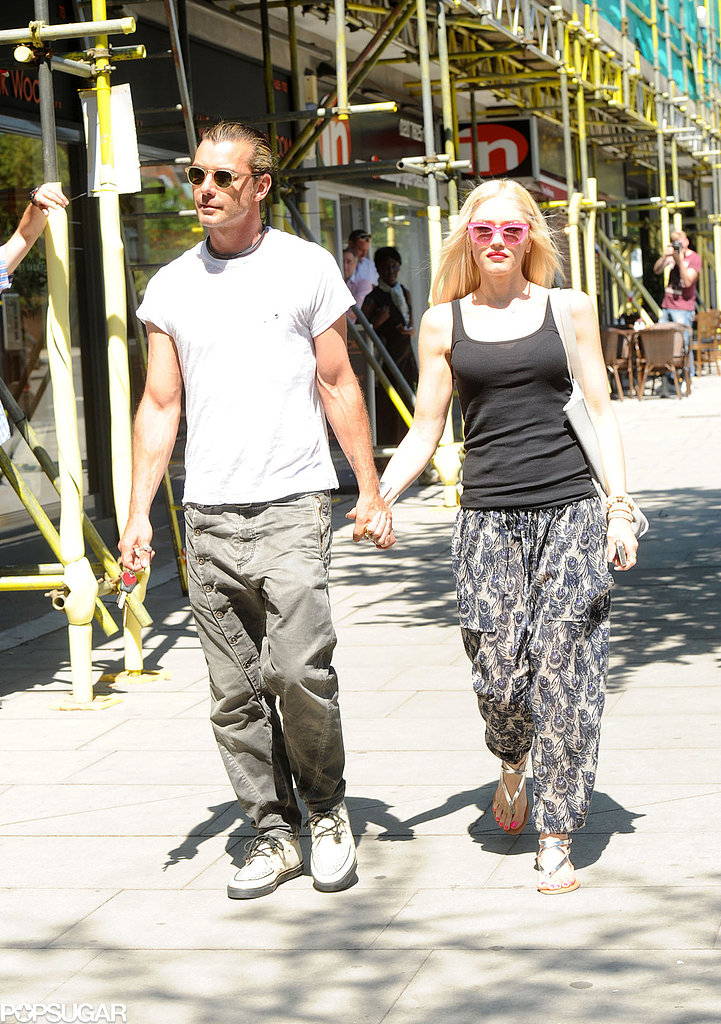 Gwen Stefani and Gavin Rossdale held hands for a stroll in London.