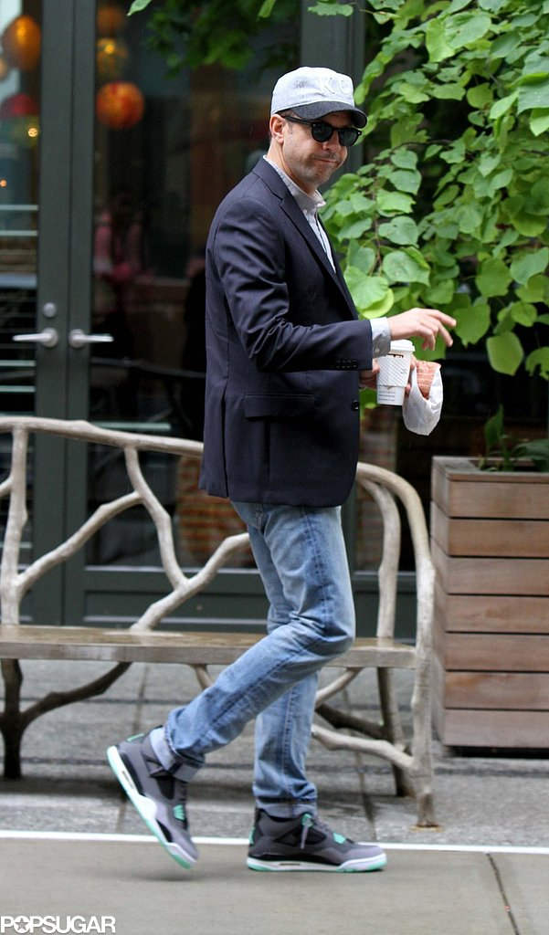 Jason Sudeikis wore a blazer and jeans for a press day in NYC.