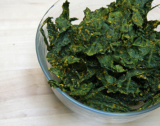 Cheesy Curry Kale Chips