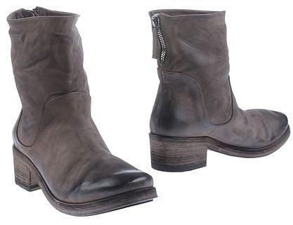 ELISANERO Ankle boots
