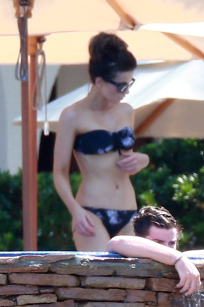 Kate Beckinsale wore a purple bikini in Mexico.