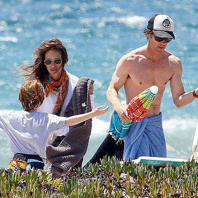 Julia Roberts at the Beach With Danny Moder and Her Boys