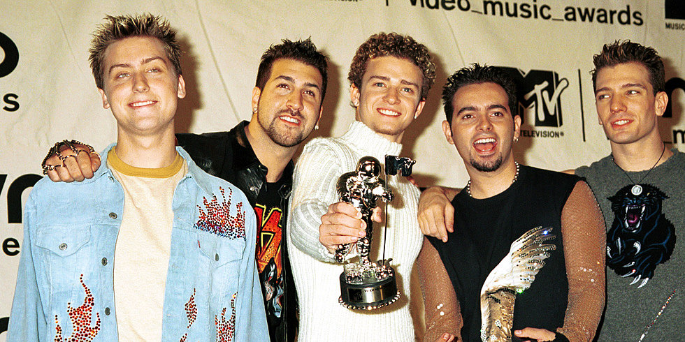 *NSYNC Joins Twitter —VMAs Performance Is On!