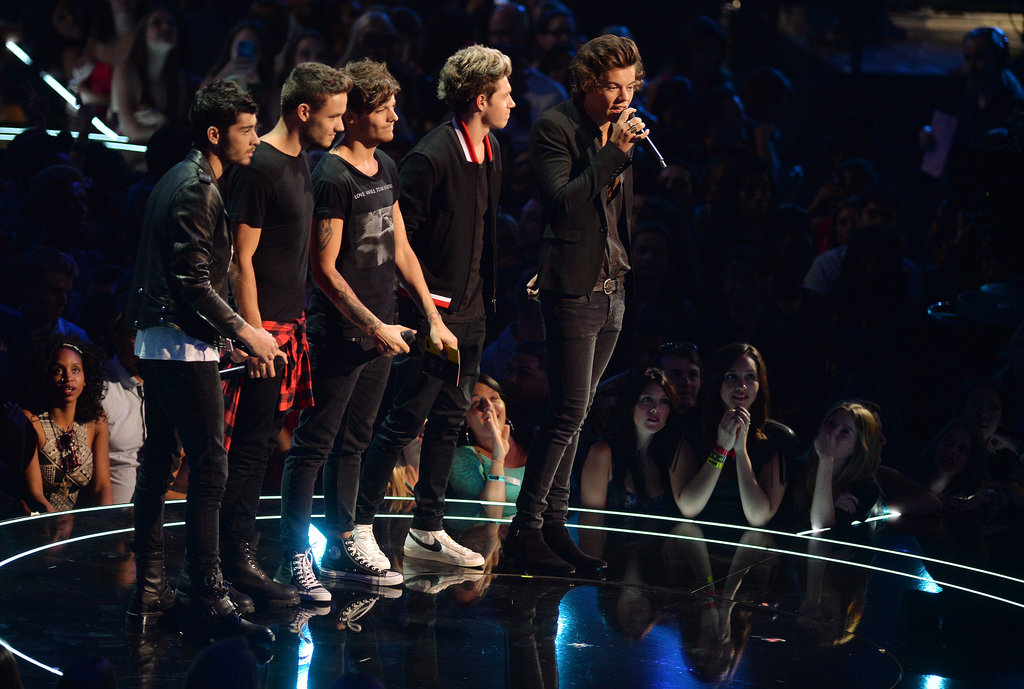 One Direction presented the first award at the VMAs.