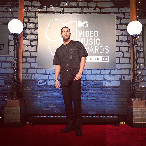 Drake posed for photos on the red carpet. Source: Instagram user mtv