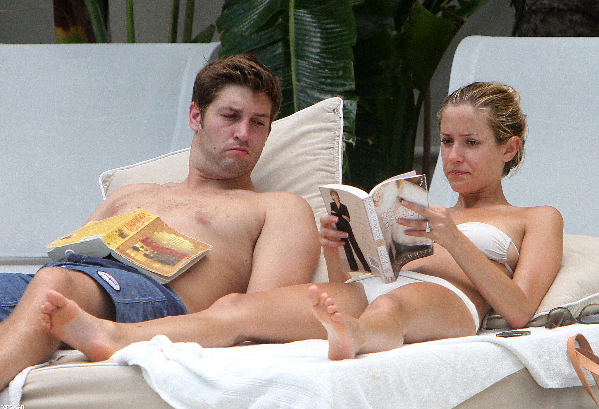In July of 2011, Kristin Cavallari read Nora Roberts's Vision in White while her fiancé, Jay Cutler, caught up on Shantaram.
