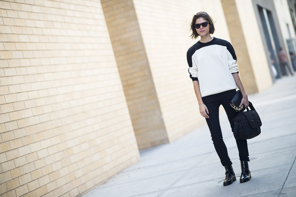 Emily Weiss played it simply cool in black and white.