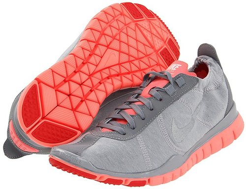 Nike - Free TR Twist (Wolf Grey/Bright Mango/Grey/Metallic Silver) - Footwear
