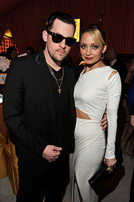 Nicole-went-vintage-look-when-she-Joel-attended-Elton