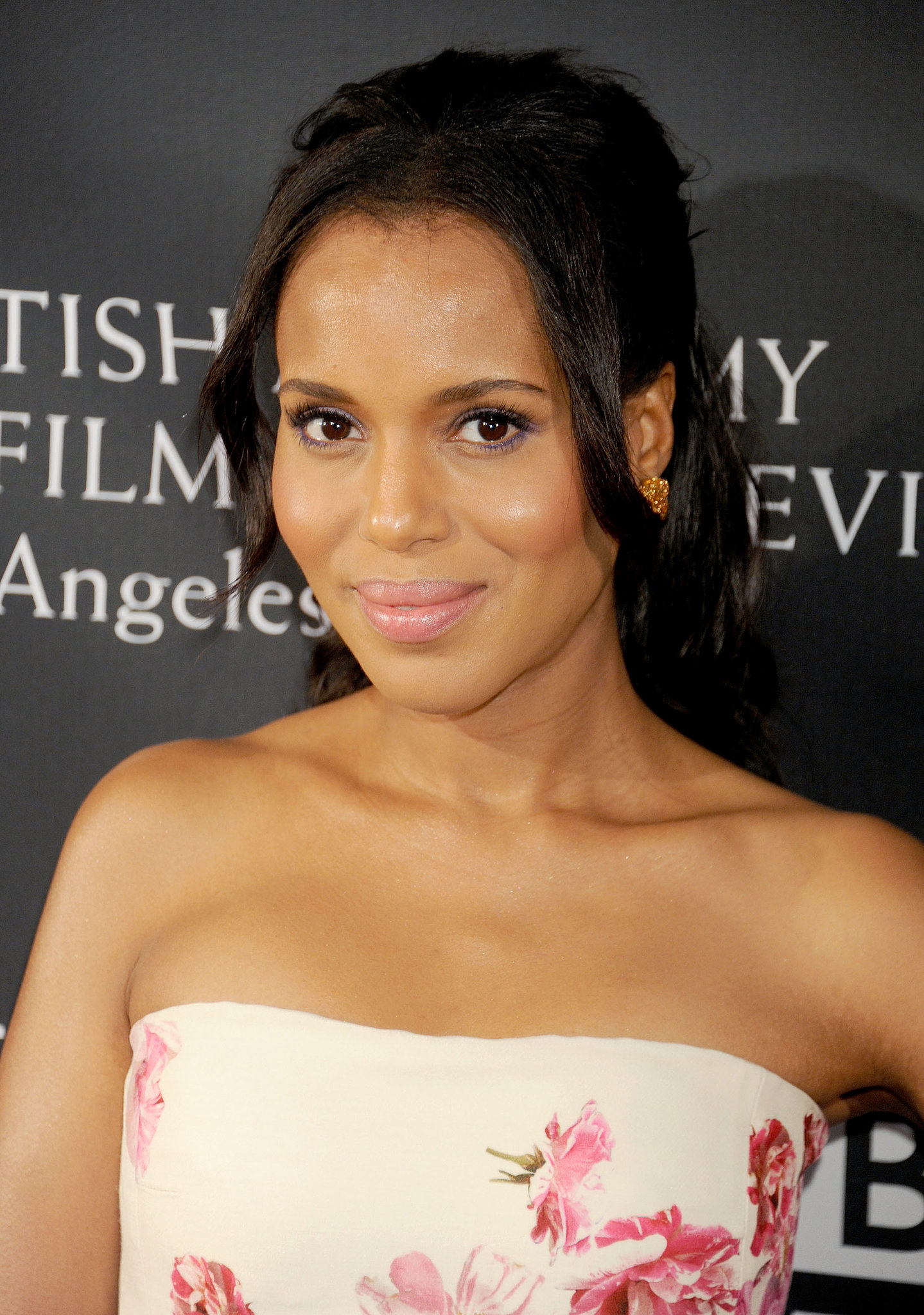 Kerry Washington played with pinks and purples at the BAFTA LA