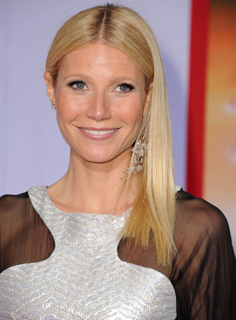 At the Los Angeles premiere of Iron Man 3, Gwyneth rocked her famous middle part and swept her sleek locks to the side.