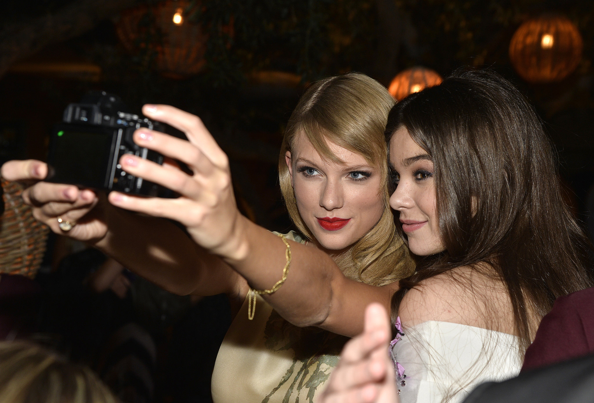 Taylor Swift and Hailee Steinfeld took a selfie at the September 2013 premiere of Romeo and Juliet.