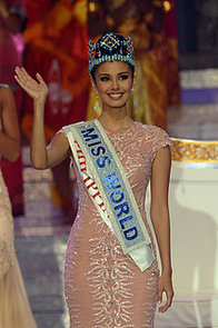 Miss-World-2013-Megan-Young-waved-crowd-after-she-crowned
