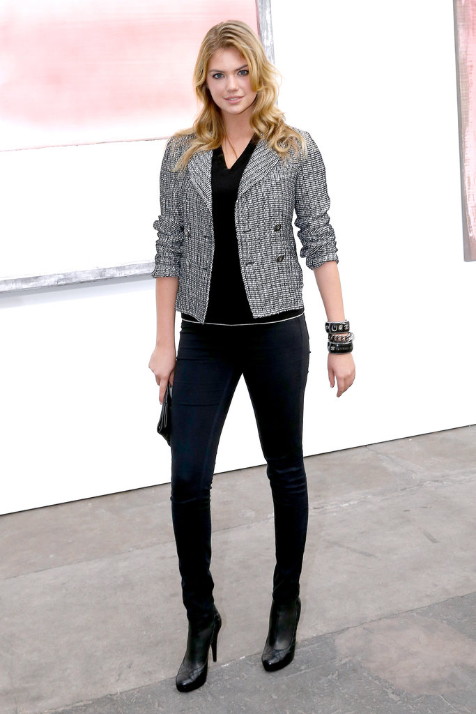 Kate Upton 39 S Chanel Ensemble Was All About Her Cropped Jacket Dakota And Katy Take In Louis