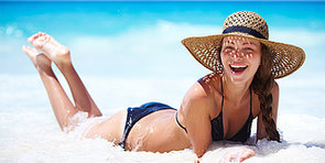 If You're Going to Lie Out in the Sun. . . Here's How to Do It Safely
