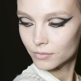 This Autumn Eye Makeup Trend Is the Cat's Meow