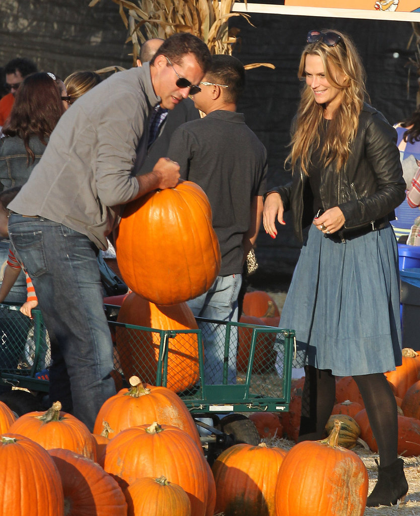 Molly Sims picked out large pumpkins in LA.