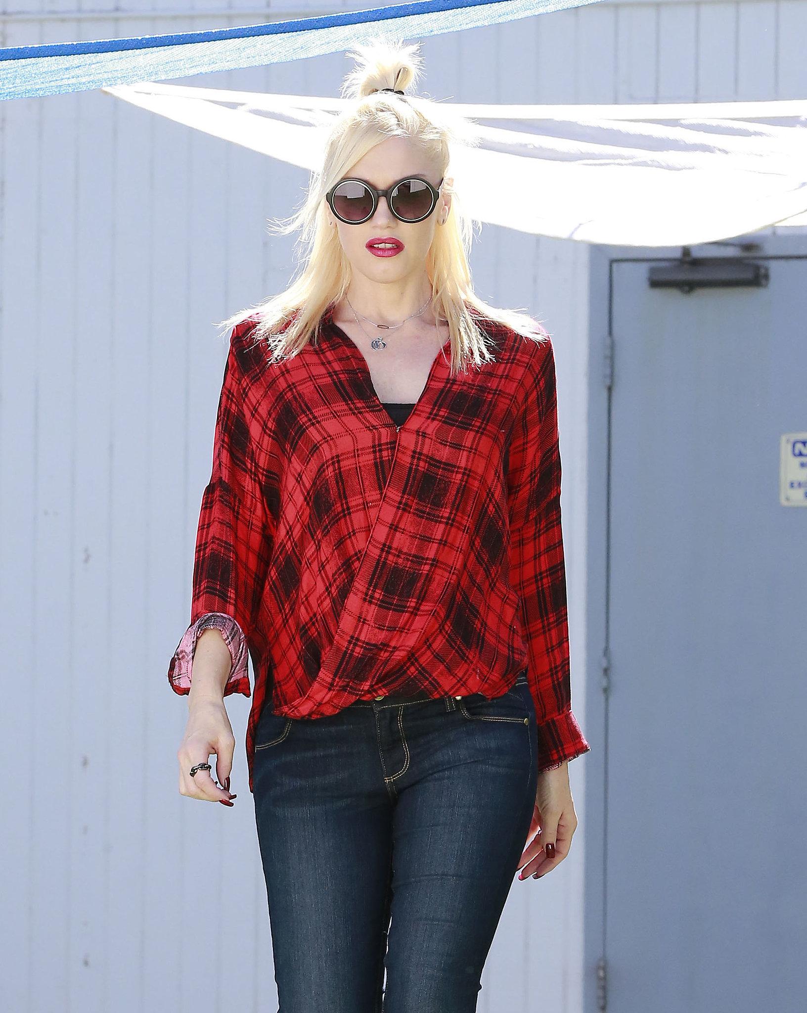 Gwen Stefani Gets Back to Halloween Duties After Debuting Her Baby Bump