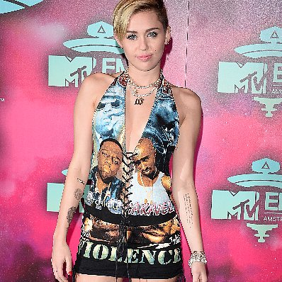 Miley Cyrus Red Carpet Outfit at MTV EMAs