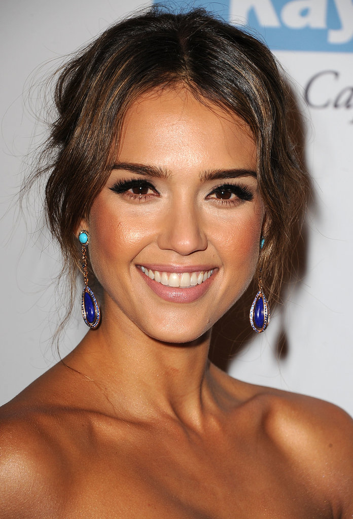 Jessica Alba's strategic contouring and heavy black eyeliner made for a gorgeous look at the second annual Baby2Baby Gala.