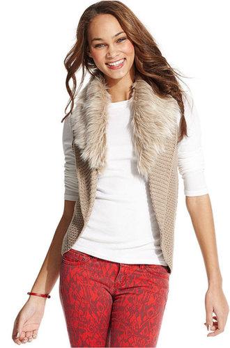 Dolled Up Juniors Vest, Faux-Fur Trim Cocoon