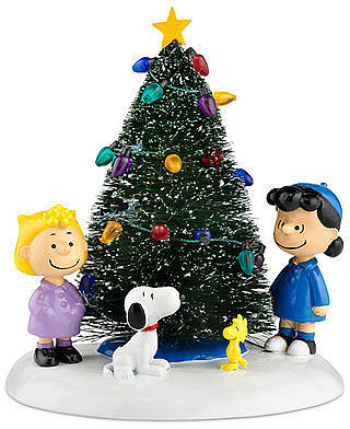 Department 56 Collectible Figurine, Peanuts Village O Christmas Tree