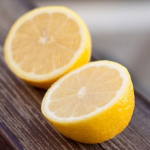 Superfoods: 10 Reasons to Drink Lemon Juice