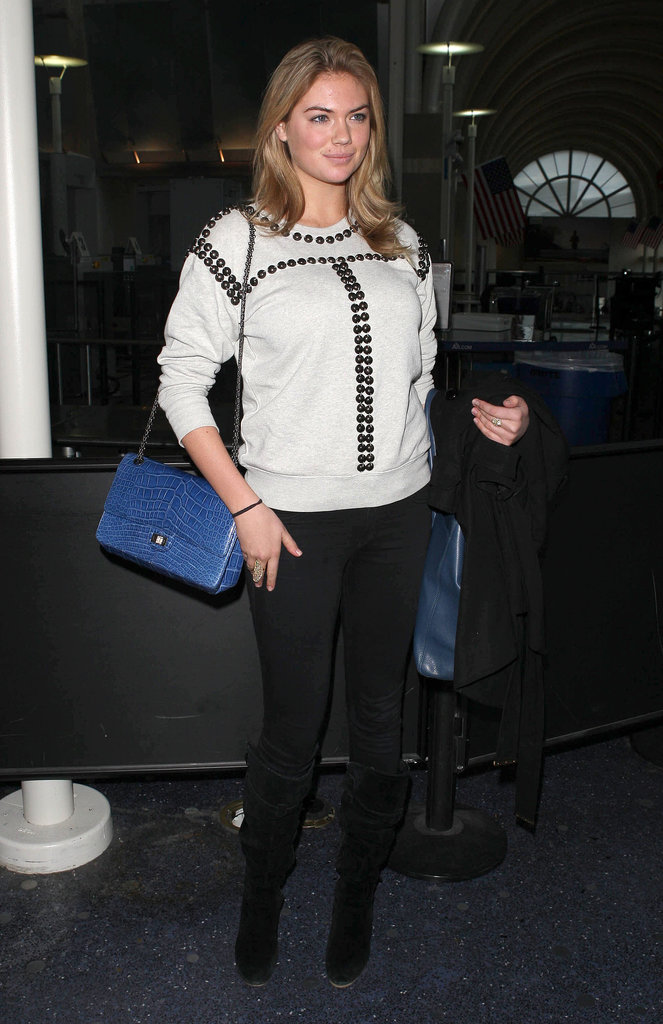 Kate Upton 39 S Sweatshirt Wasn 39 T Your Average Style Boasting A Prep Your Pinterest Board These