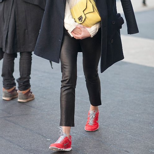 Stylish Outfit Idea to Wear Nikes With