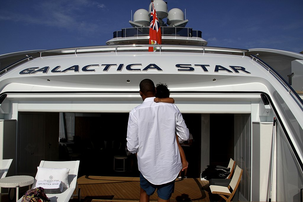 Jay Z carried Blue around a yacht in the Summer of 2013. Source: Tumblr user Beyoncé
