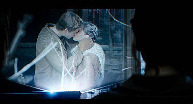 Gale Kissing Katniss Gale And Katniss Catching
