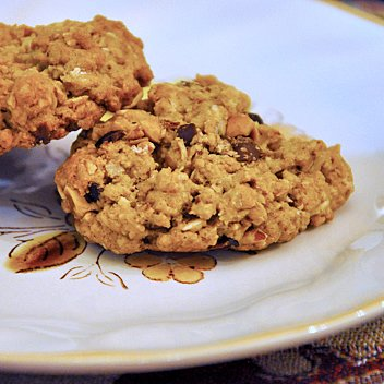 Hazelnut-Chocolate Oatmeal Cookies