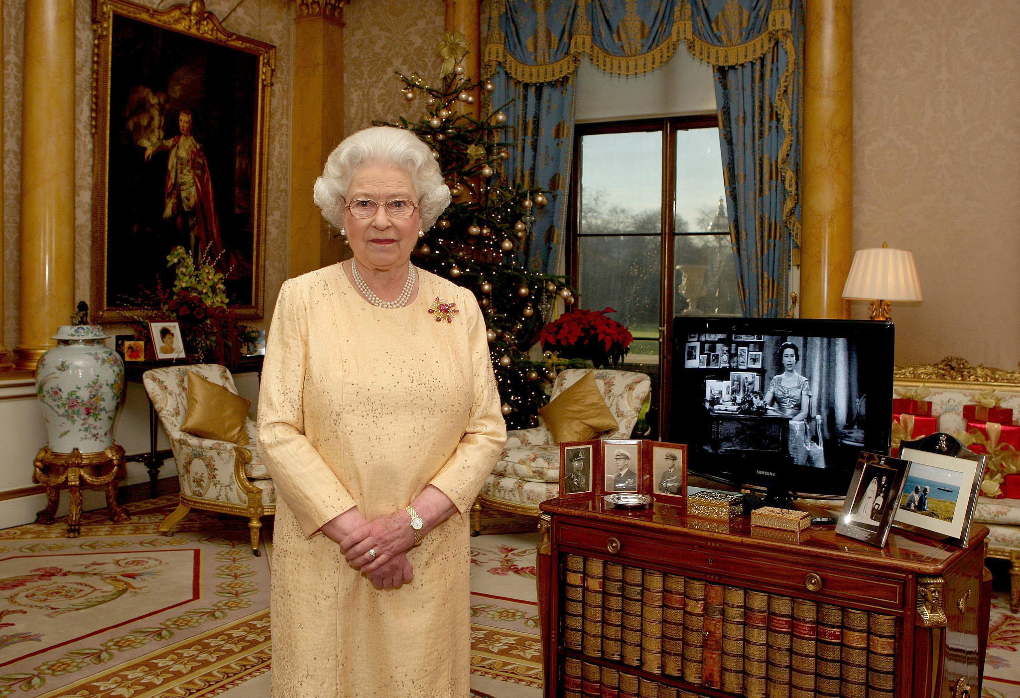 Queen Elizabeth Ii Filmed Her Christmas Day Message In