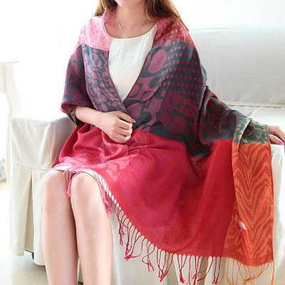 Folk style mixing color fringed scarf