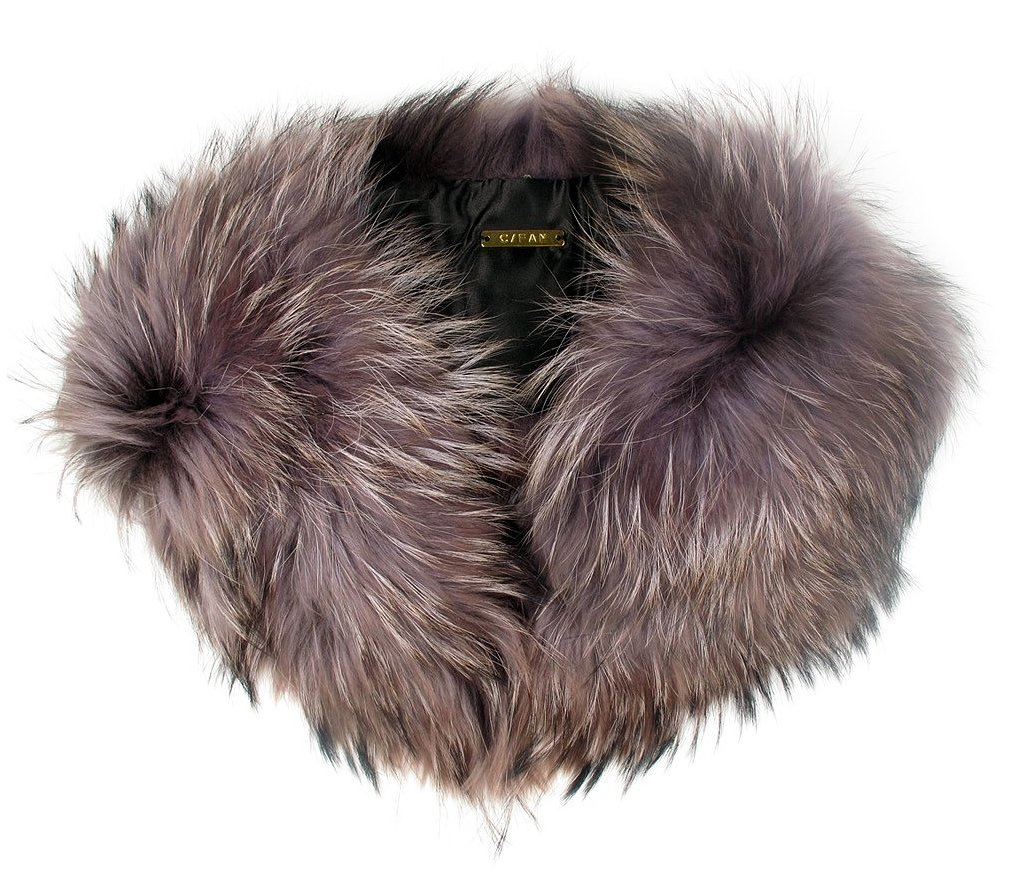 I love coats with fur collars, but I also love coats that, well, don't have fur collars. The easiest way to bridge the gap between the two is with a removable collar like this one from C/Fan ($388, originally $556). — JF