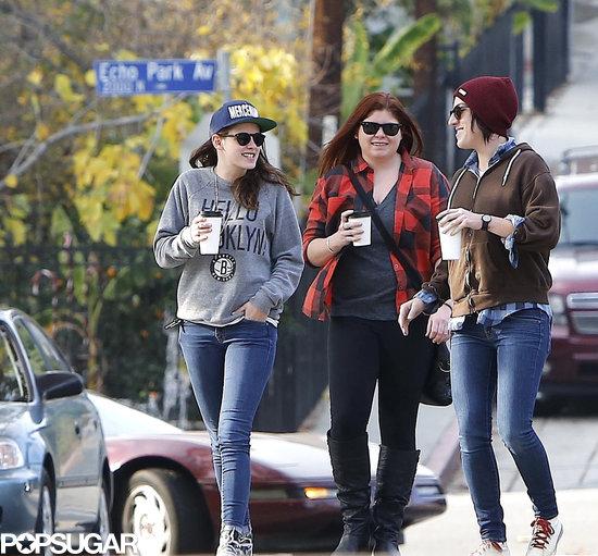 Kristen Stewart chatted with her girlfriends.